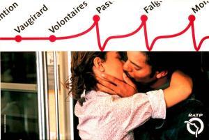 paris-metro-kiss-small-72496